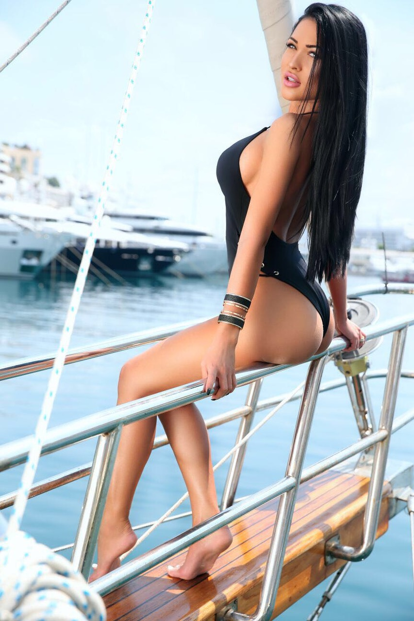 amyrose-london-escorte-monaco-dubai.jpg