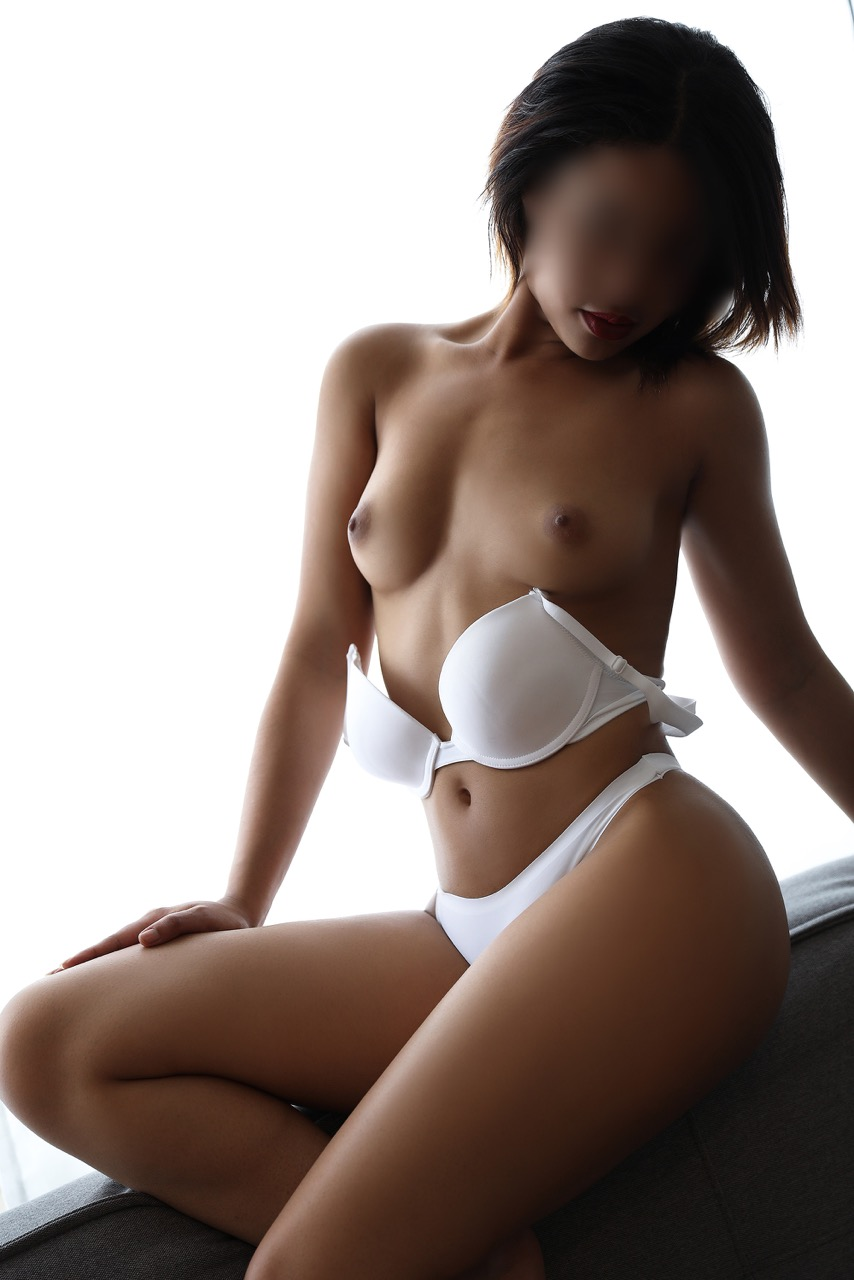 nina-paris-escorte-geneve-escort-girl-lausanne.jpg
