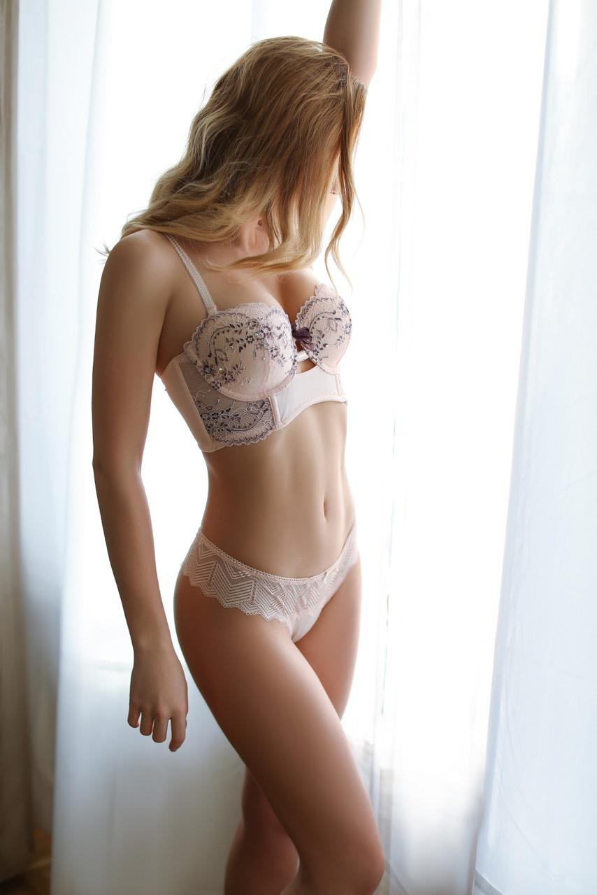 rose-escorte-geneva-zurich-swiss-agency.jpg