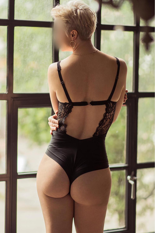 adelina-neuchatel-fribourg-escort-girl-geneve.jpg