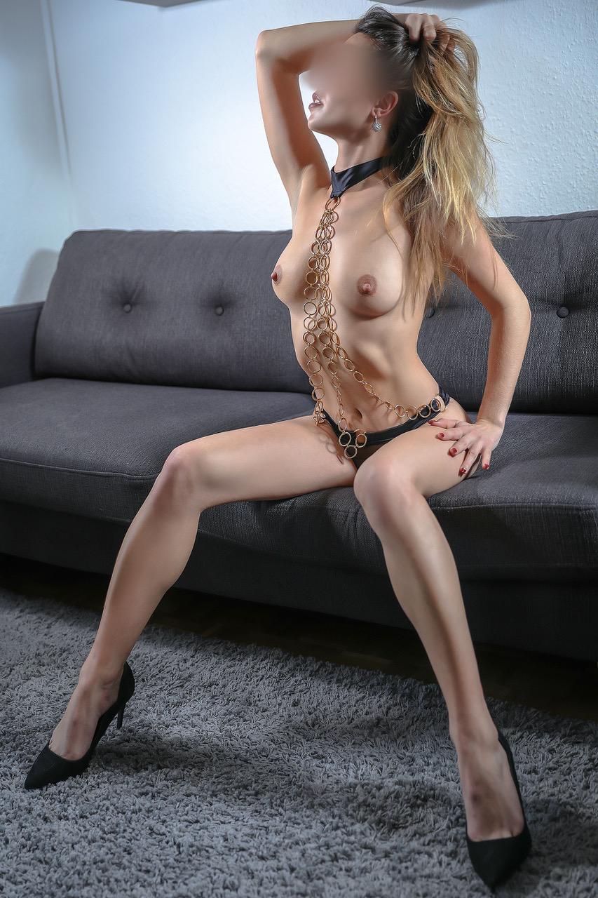 alessandra-vip-escorte-agence-escort-girl-lausanne-suisse-agency.jpg
