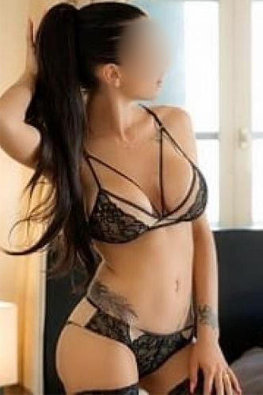 alice-escort-morges-lausanne-geneva-agency.jpg