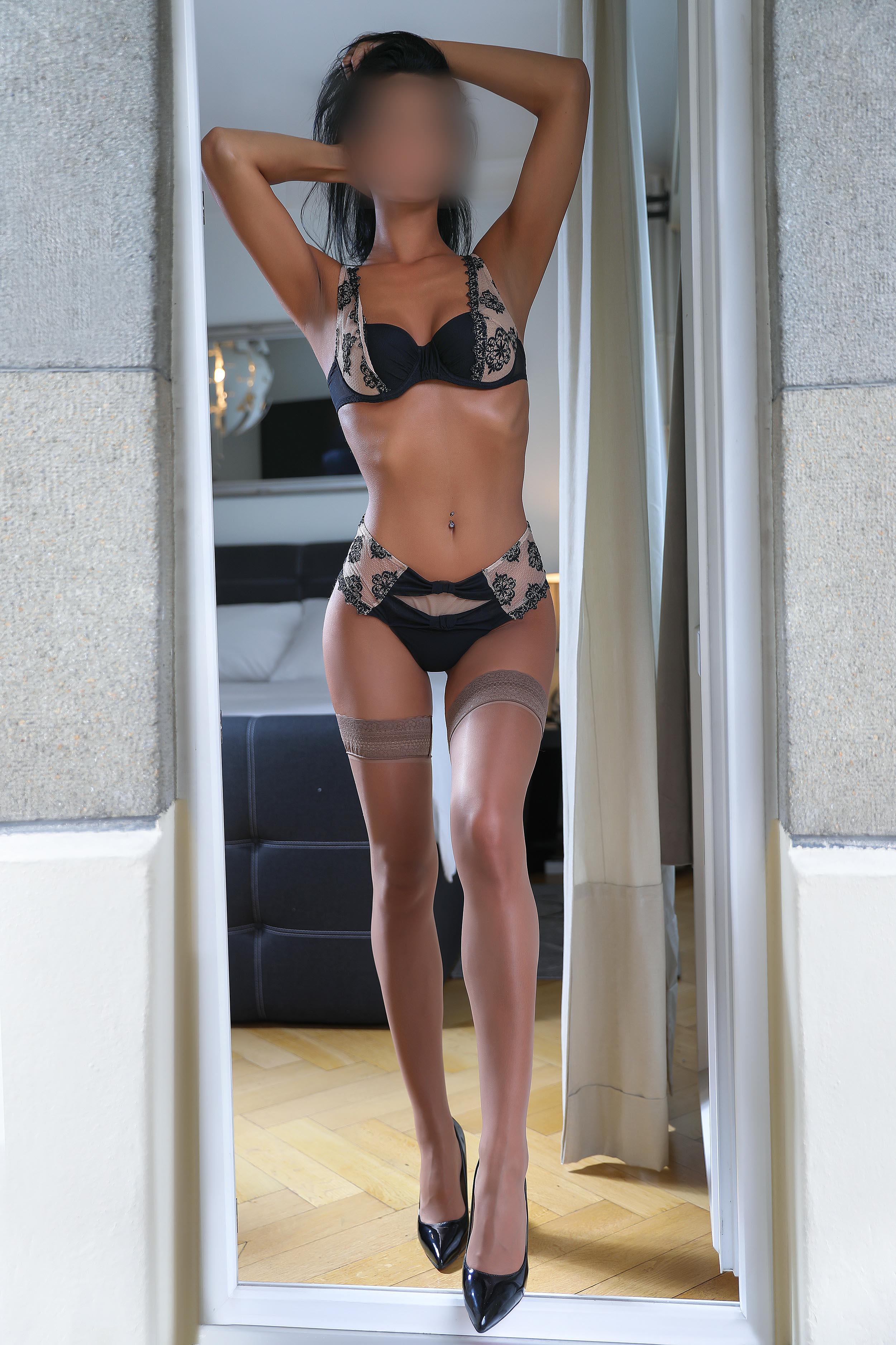 ayane-montreux-escorte-girl-geneve-agence-lausanne-agency-escort-9.jpg