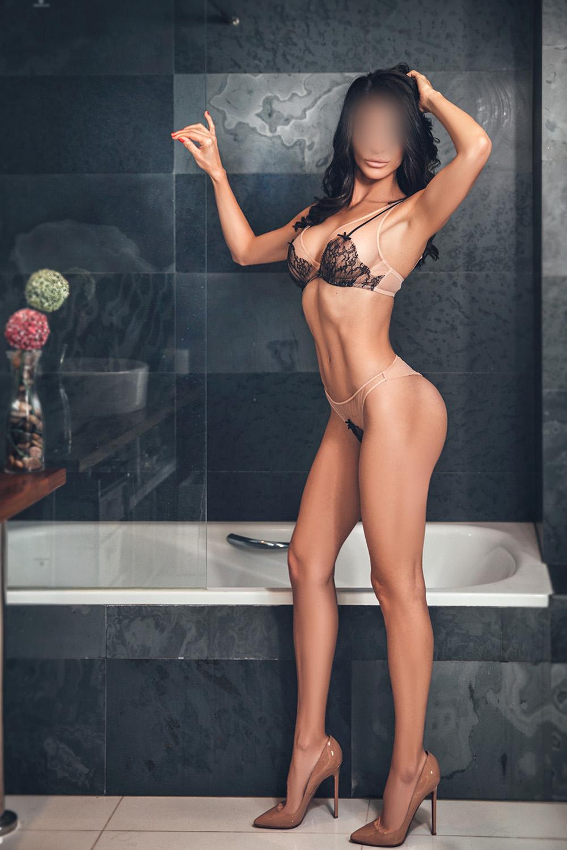 charlotte-paris-escort-girl-geneve-agence-geneva-agency-roma.jpg