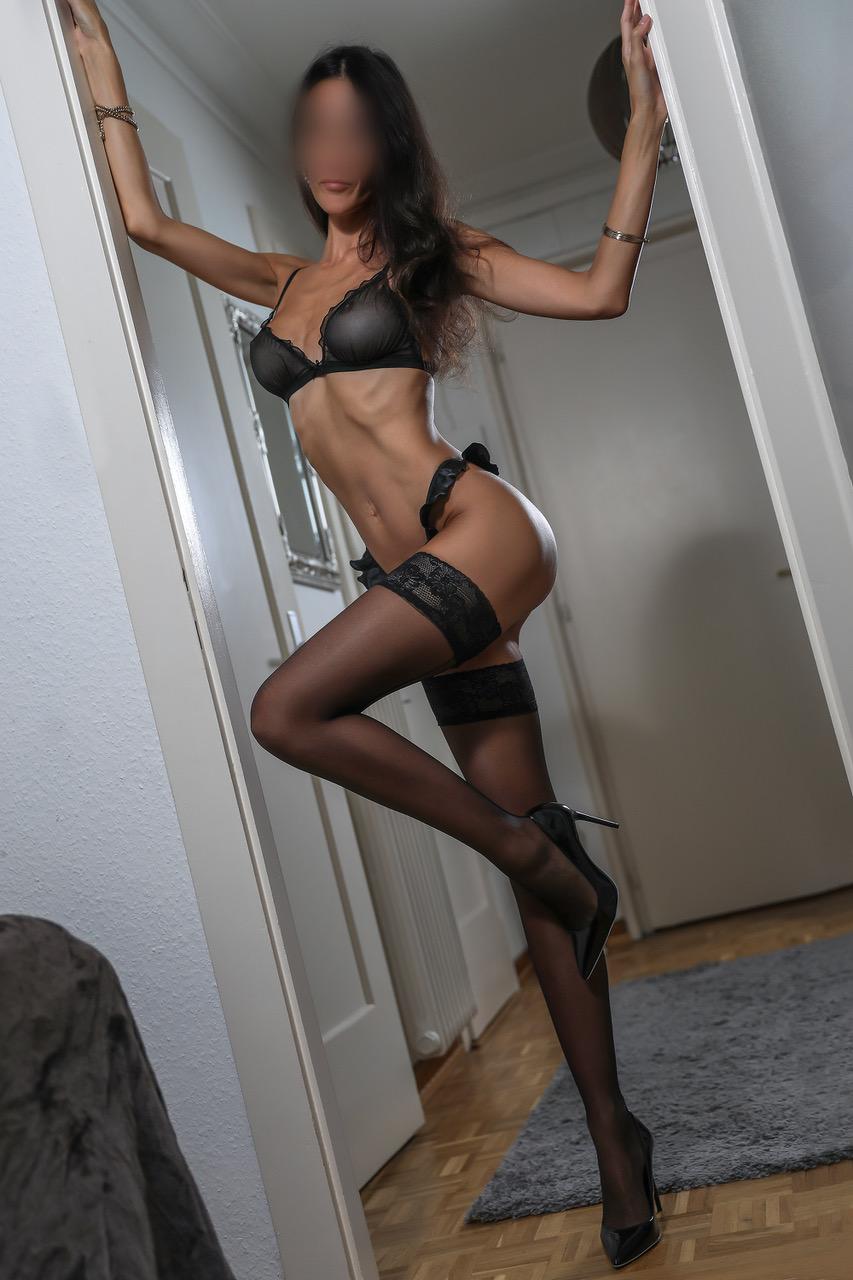 ginette-escort-mature-paris-agence-lausanne-escort-girl-suisse-geneve.jpg