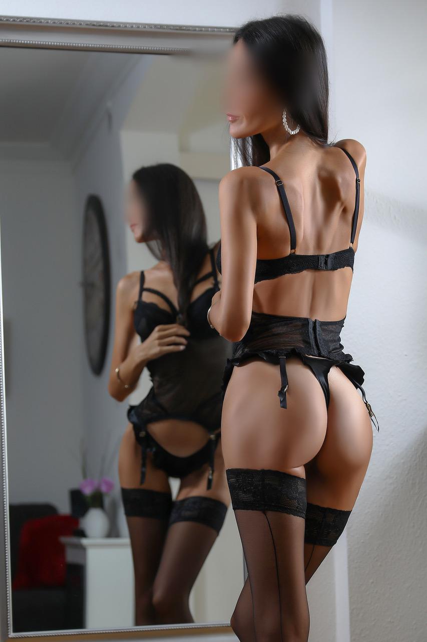 ginette-escort-service-milf-paris-agency-geneva-escort-girl-suisse-geneve.jpg