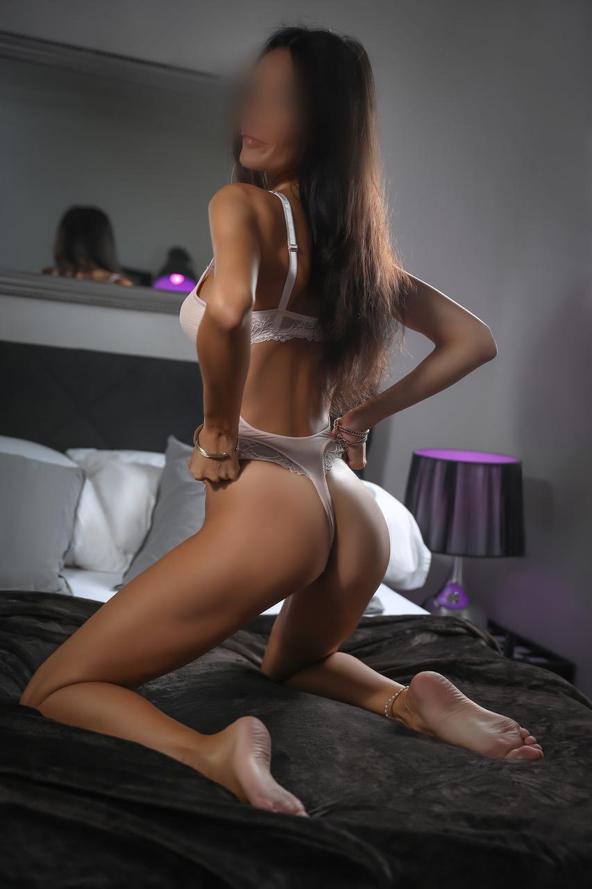 ginette-milf-escort-paris-milano-agency-escort-girl-lugano-geneve.jpg