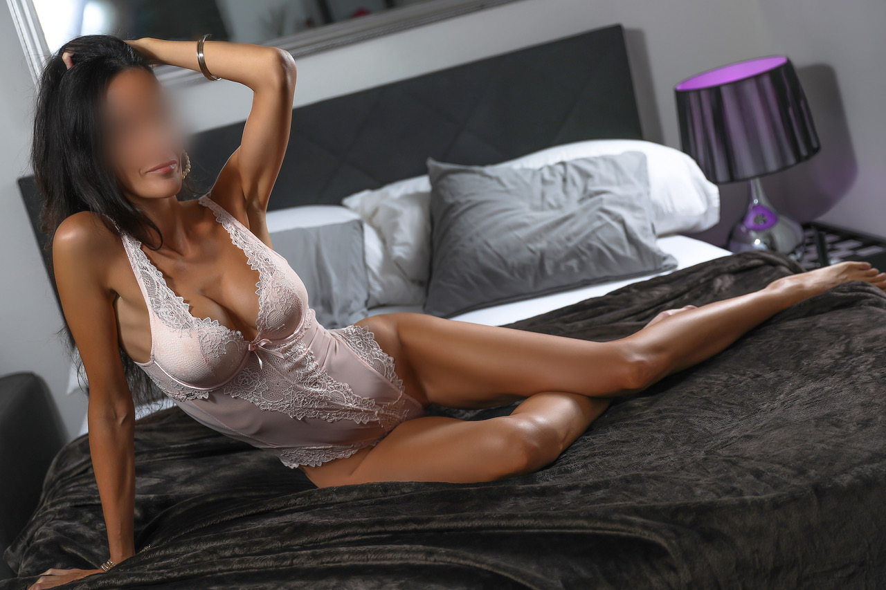ginette-monaco-escort-girl-paris-agence-escort-girl-suisse-geneve.jpg