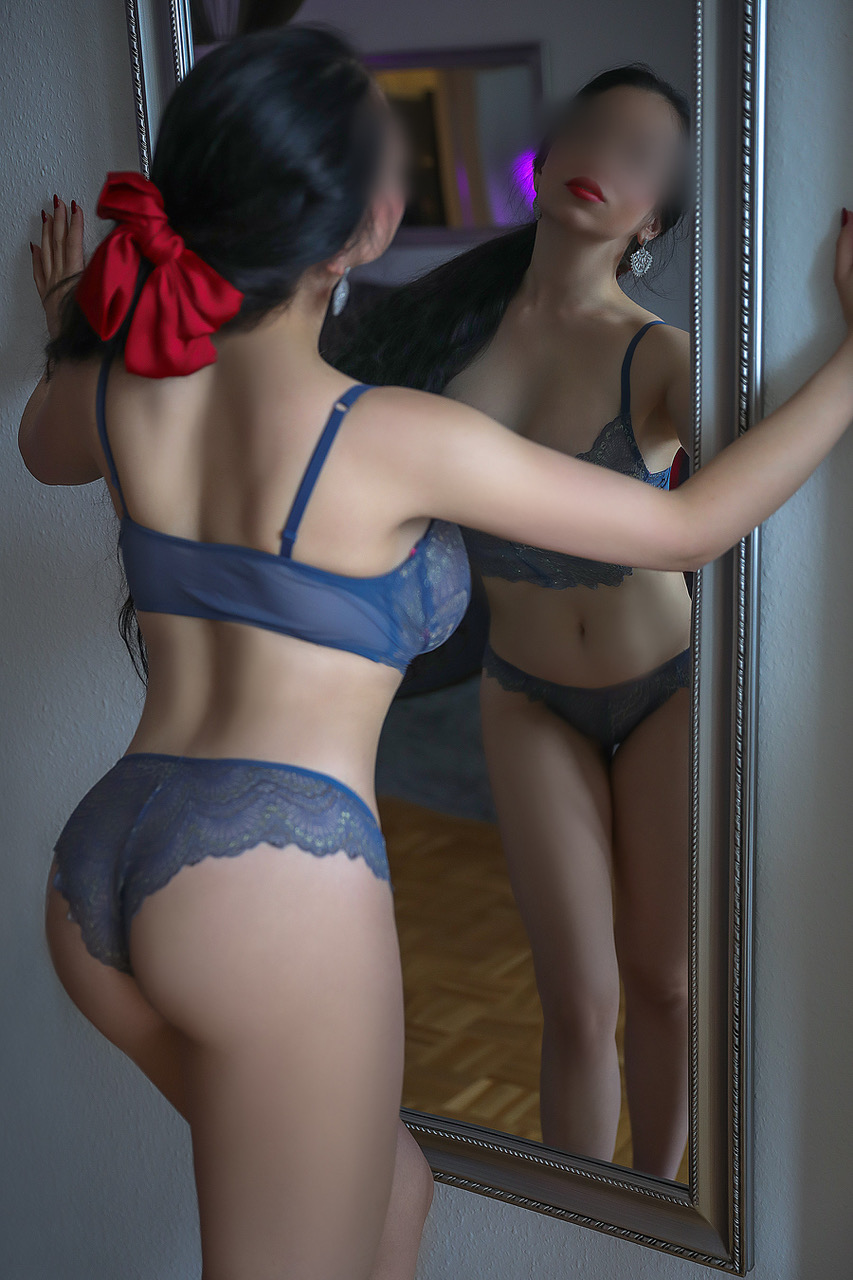 lola-verbier-escort-girl-swiss-agency-bern-3.jpg