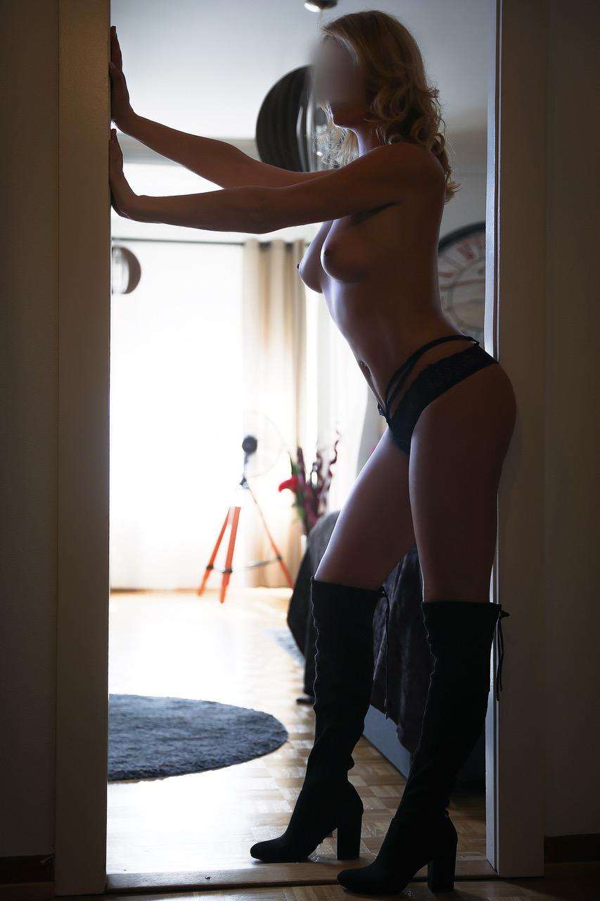 louise-zurich-milf-escorte-girl-bale-agence-escort-geneve-lausanne-montreux.jpg