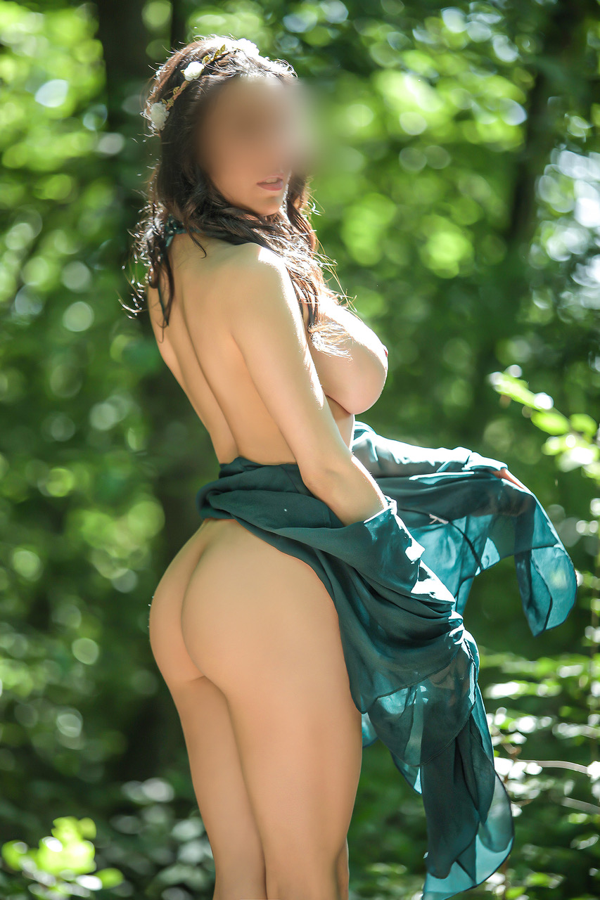 maia-escort-girl-geneve-monaco-agence-suisse.jpg
