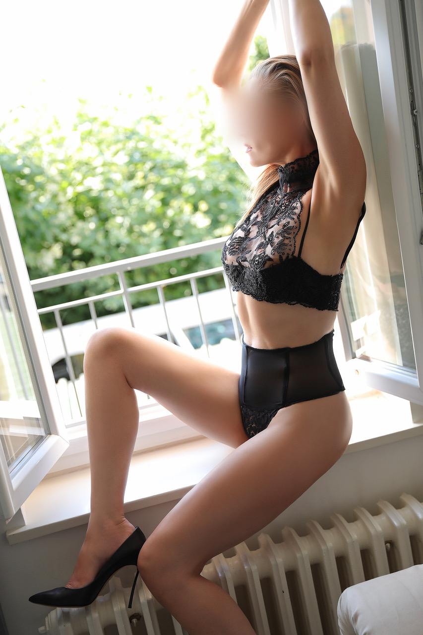 mara-dreams-escorte-girl-geneva-agence-lausanne.jpg
