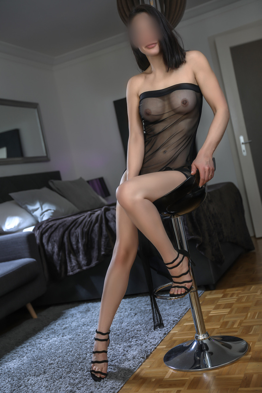 mila-escort-girl-vip-milf-geneve-agence-suisse-escorte-agency.jpg