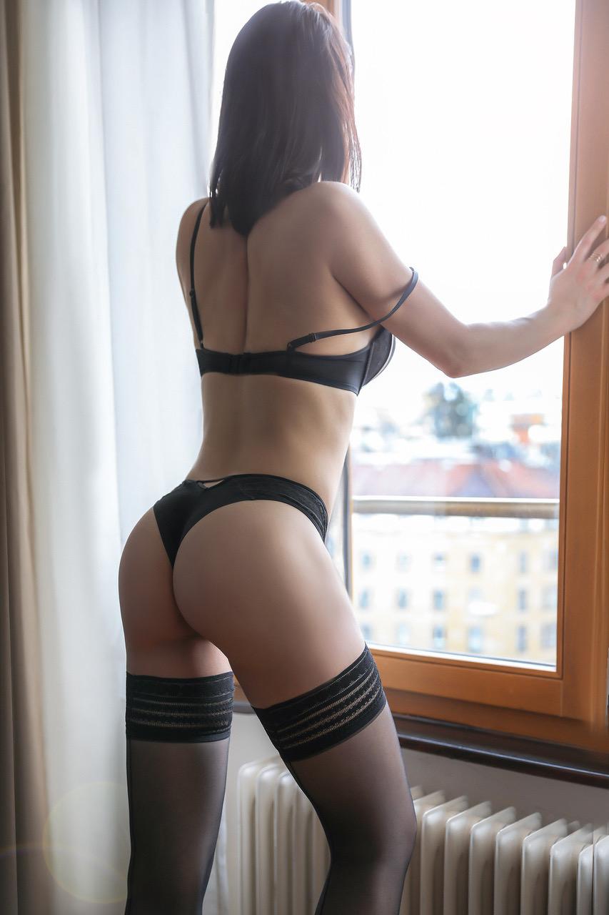 mila-montreux-escort-service-escorte-girl-geneve-agence-suisse-escorte-agency.jpg