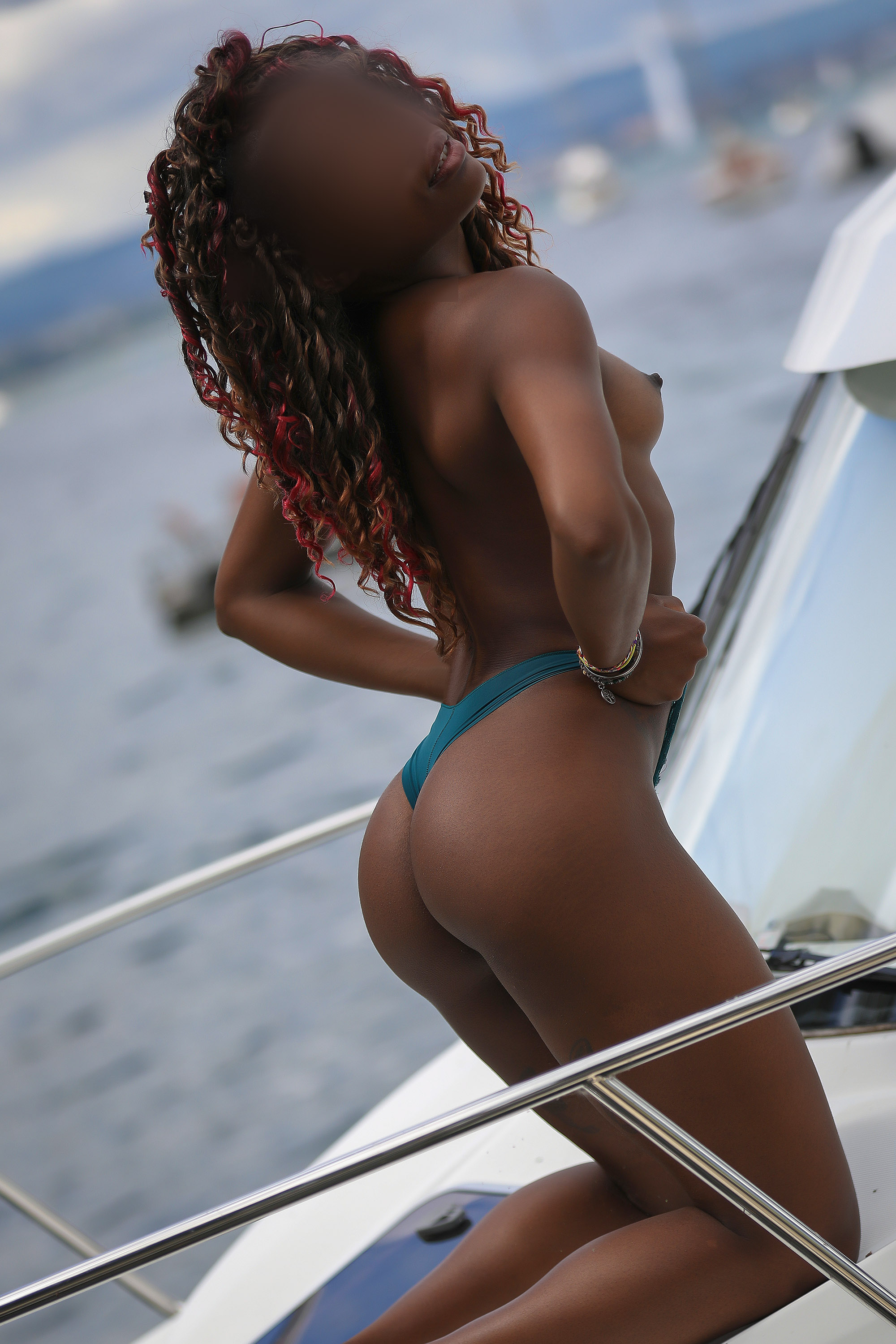 rose-escorte-black-girl-geneva-suisse-agency-london-geneve-agence.jpg